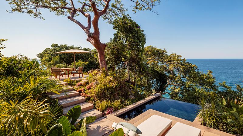 One&Only_Mandarina_Accomm_Panoramic_OceanCliff_Villa_View_Main_Wide_3597-HDR_MASTER_800x450