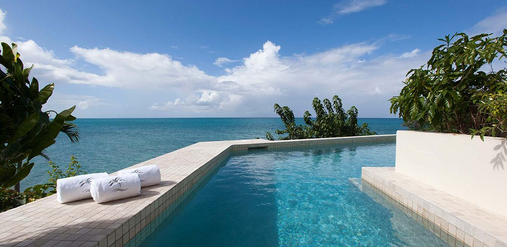 Blue Waters infinity pool