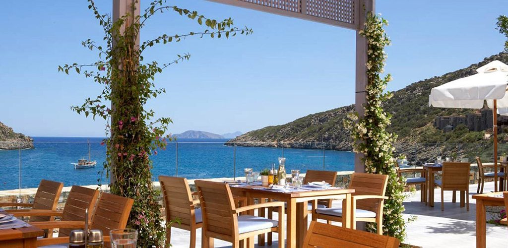 Daios Cove dining-bars_gallery_9-1570x870