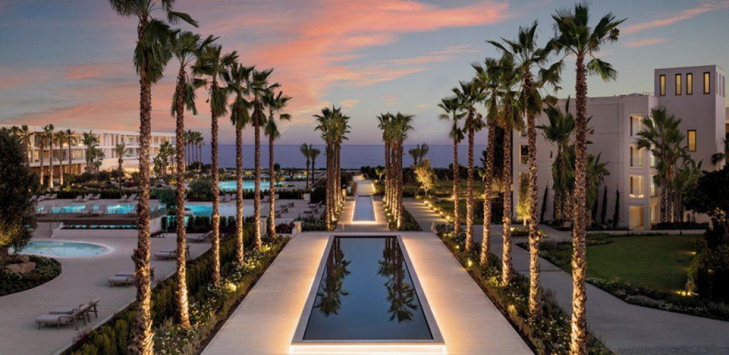 Ikos Andalusia _ Palm Lake Boulevard Close Up Sunset_792x542