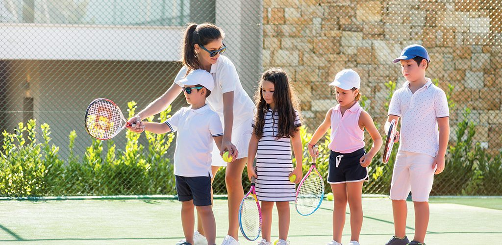 Ikos Olivia Kids Activities - Tennis Class _2880x1921