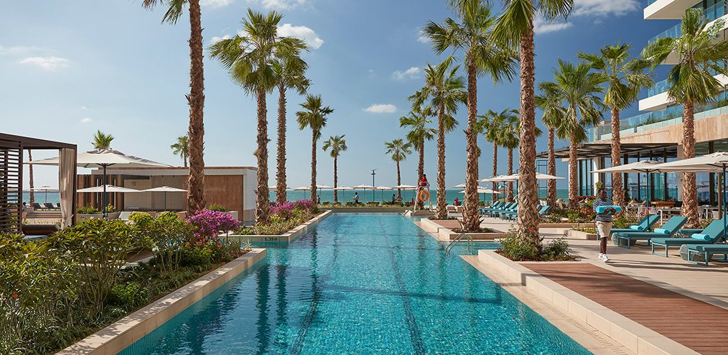 mandarin oriental jumeira dubai hotel-pool-02