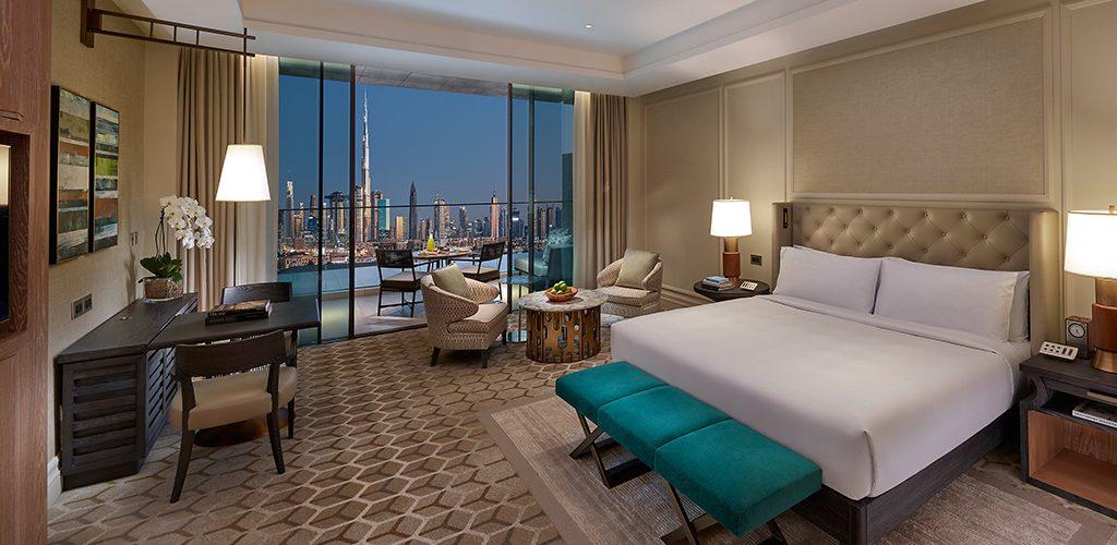 mandarin oriental jumeira dubai room-club-deluxe-skyline-view