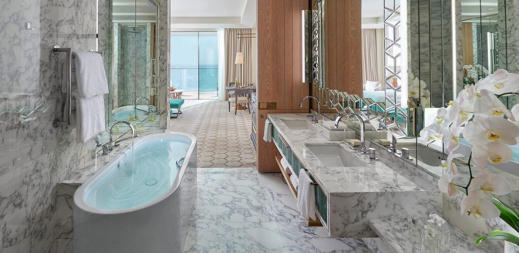 mandarin oriental jumeira dubai -room-premiere-sea-view-bathroom